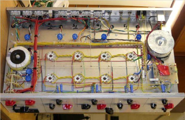 Blick unter die Haube des 50 Watt-Amps